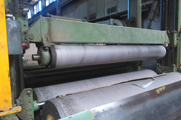 bobinatrice-con-cilindri-rivestiti-in-carburo-di-tungsteno-19160788A-37BC-B596-0BDD-2E432F124D83.jpg