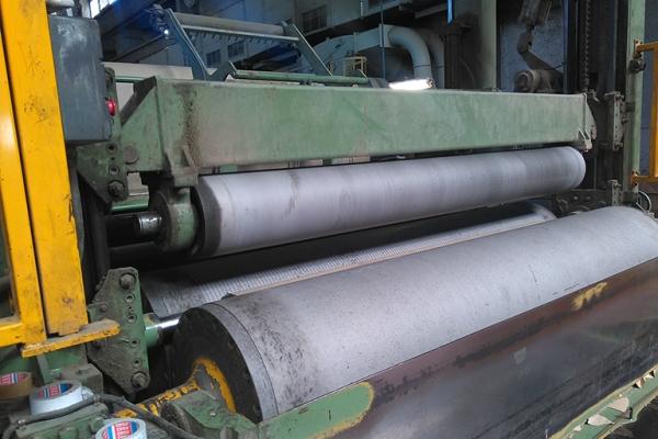 bobinatrice-con-cilindri-rivestiti-in-carburo-di-tungsteno-27562FA1B-6E37-BD5C-49E3-B3C146A60328.jpg